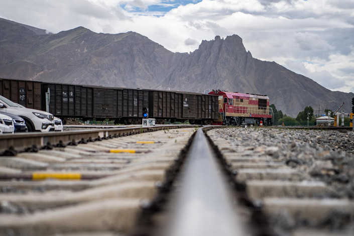 A freight train arrives at the cargo yard of the Lhasa West railway station in the Tibet autonomous region on June 13. Photo: VCG