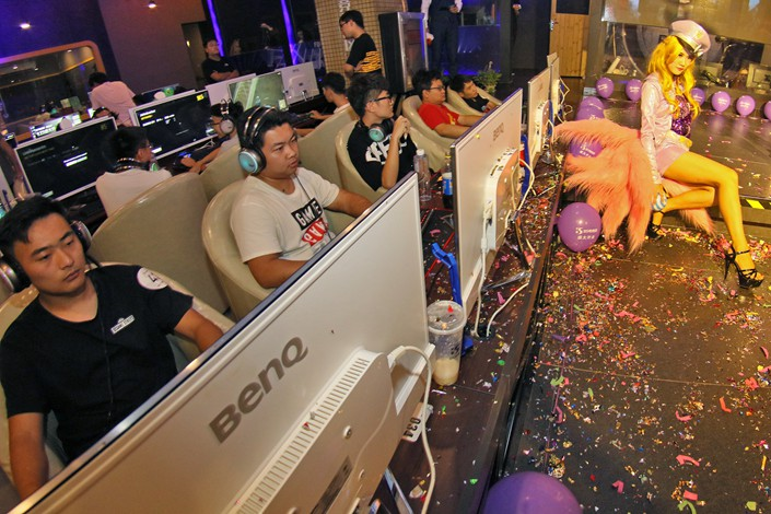 Gamers stay focused on their screens at an esports venue in East China's Shandong province in September 2017. Photo: VCG