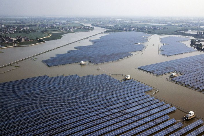 A Chinese solar farm. Photo: Bloomberg.