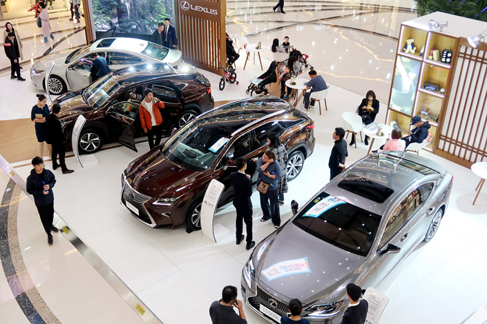 Lexus cars on sale at a mall in Zhengzhou, Central China's Henan province on Nov. 4, 2017. Photo: VCG