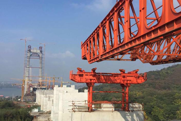 A bridge being built over the Yangtze River in Zhenjiang, Jiangsu province on Nov. 12. Photo: IC
