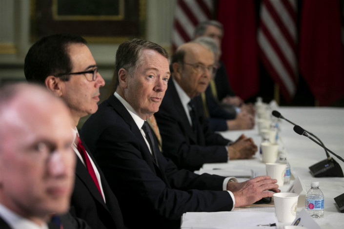U.S. and China negotiators hold trade talks. Photo: Bloomberg