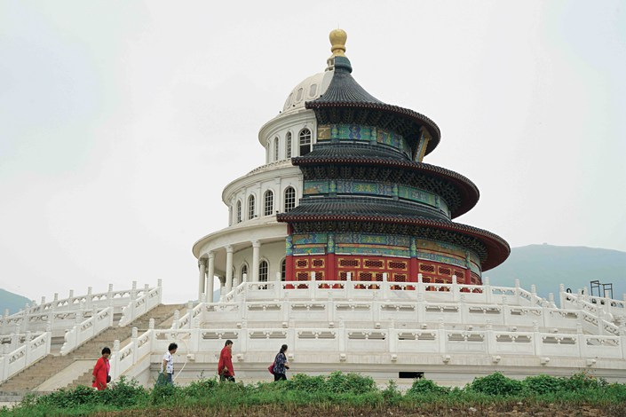 A building combining the Temple of Heaven with the U.S. Capitol in the Great Wall Film and Television Cultural Park in Shijiazhuang, Hebei province. Its peculiar design has sparked controversy. Photo: Cai Yingli/Caixin