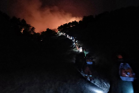 A team of firefighters head to a forest fire in the city of Changzhi, Shanxi province, on Sunday. Photo: VCG