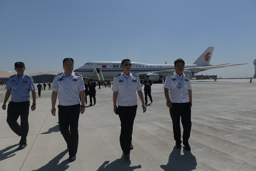 The flight crew of Air China's test flight disembarks after landing at Beijing Daxing International Airport. Photo: VCG_Gallery: Flagship Flights Land at Beijing's New Airport