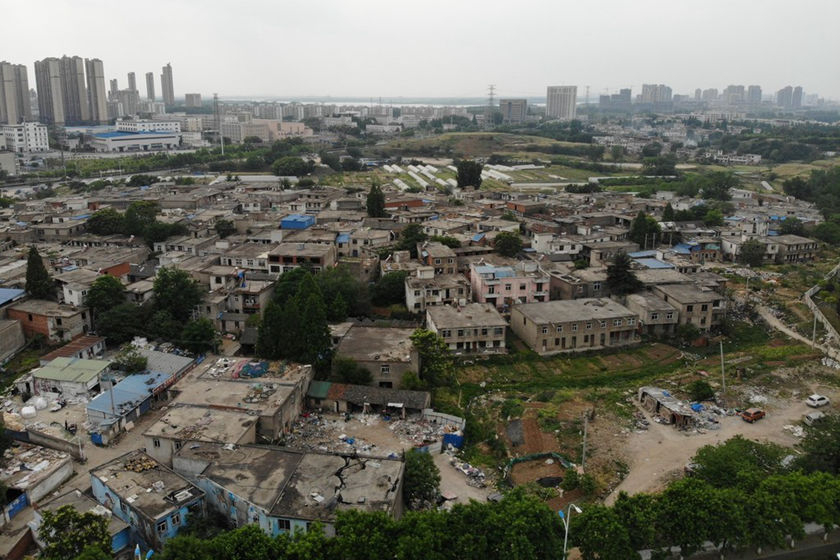 "An aerial photo shows part of the ""urban village"" to be demolished in Hefei, capital of Anhui province, on May 9. The first phase of demolition will involve the eviction of 1,266 households, or 4,057 people. Photo: IC Photo_Gallery: Over 14,000 Evicted for New Train Station"