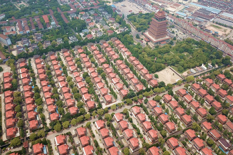 Hundreds of villas are seen in Huaxi village. Photo: IC Photo