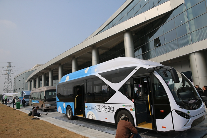 Youngman Automobile Group unveils a hydrogen energy vehicle on Oct. 23 in East China's Jiangsu province. Photo: IC Photo