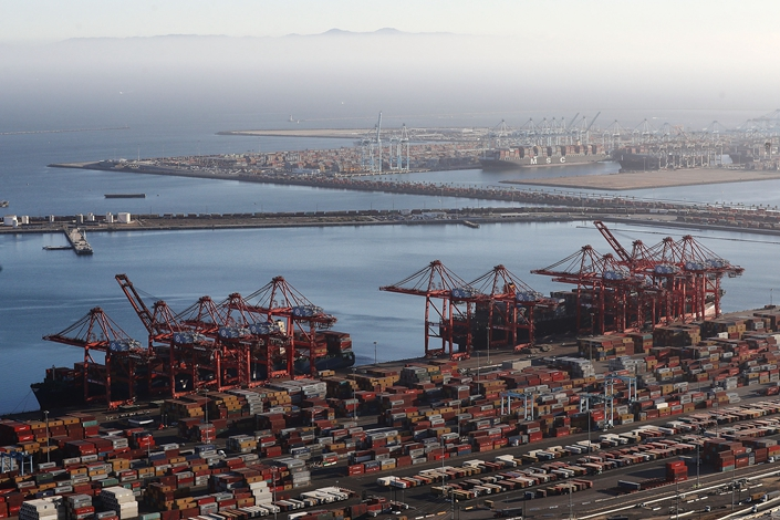 Shipping containers sit at the Port of Long Beach, the U.S.' second-busiest container port, on Sept. 18. Photo: VCG