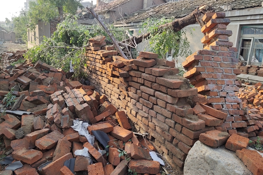 The wall of a home lies in ruins on Thursday. Photo: IC Photo_Gallery: Tornado Kills Six in China's Northeast