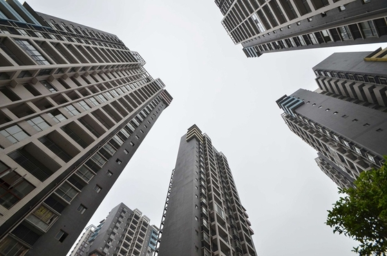 Regulator Confronts Trusts About Real Estate Financing