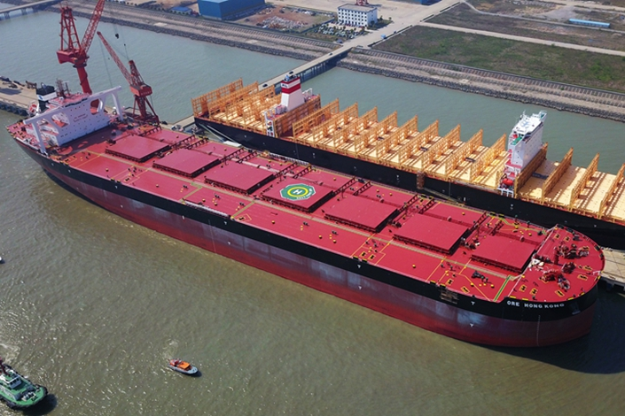 A 400,000-ton ore carrier manufactured by Yangzijiang Shipbuilding berthed in April 2018 at the port of Taicang in Suzhou, East China's Jiangsu province. Photo: VCG