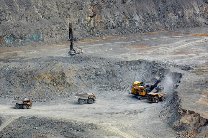 China Molybdenum Says Giant Congo Copper Mine Is Losing Money