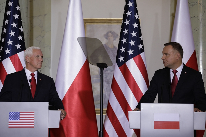 Andrzej Duda, right, and Mike Pence in Warsaw, on Sept. 2. Photo: Bloomberg