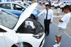 中国品牌汽车销量跌至低谷 长安朱华荣建议公务人员带头购买