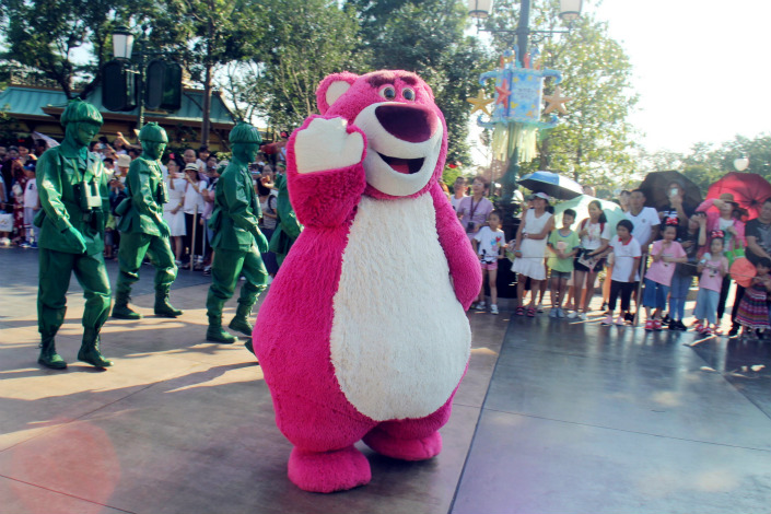A parade at the Shanghai Disney park on Sept. 11. Photo: IC Photo