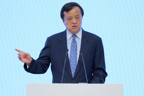 李小加首度减持港交所股份套现1.5亿元