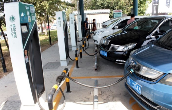 China Races Ahead of U.S. in Deployment of Electric-Vehicle Charging Stations