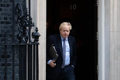 英国首相考虑给部分香港人更多居英权 中方坚决反对