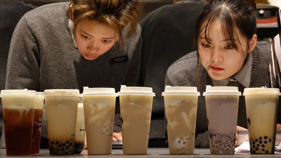 As Investors Circle Milk Tea-Makers, Experts Warn of Coming Bubble