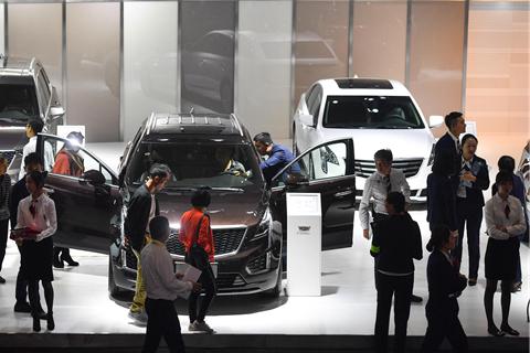 2018年,中国汽车销量结束28年连续增长,同比下跌2.8%。中国汽车工业协会预计,2019年销量与2018年持平。但市场变化大大超出预期。2019年前10个月,中国汽车销量同比下跌9.7%。
