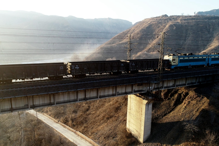 The Daqin line is not the only railway facing withering freight volumes. Photo: China News Service