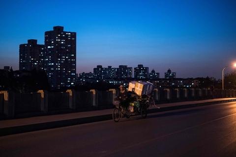受经济下行压力加大、减税降费实施、房地产调控持续收紧等影响,北京2019年财政收入增速仅微增0.5%,2020年收入目标定为零增长。