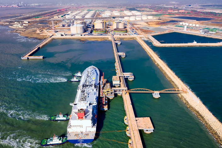 Liquid natural gas output reached a record 173.6 billion cubic meters in 2019, increasing 9.8% from the previous year.