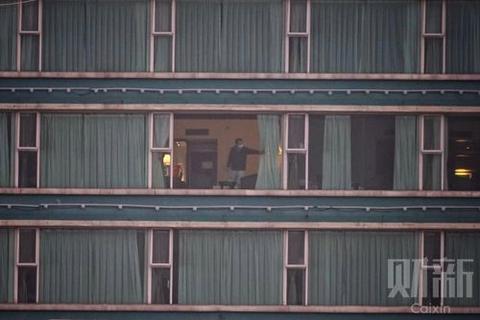 连续出现新冠肺炎确诊病例 广州一居民楼全体转移隔离