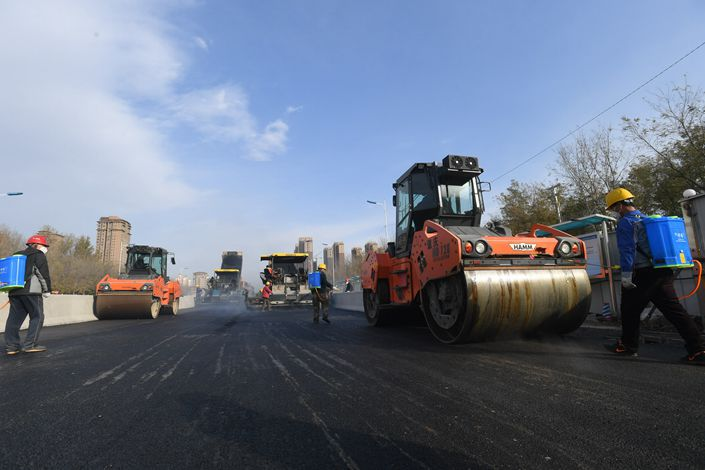 A road is laid in Shenyang, Northeast China's Liaoning province, on Nov. 12. Photo: IC Photo