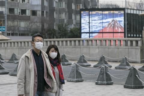 日本累计确诊近1000例 安倍要求全国中小学停课至4月初