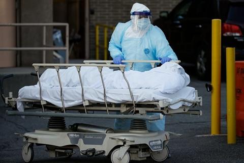 专访前FDA局长:美国疫情何以至此?