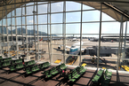 香港、新加坡机场6月起恢复中转 回国订单激增