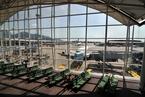 Hong Kong Joins Singapore in Reopening Airport to Transit Passengers