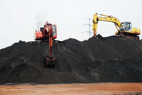 两部委发文降低物流成本 鼓励物流企业兼并重组;大商所发布铁矿石市场风险提示函