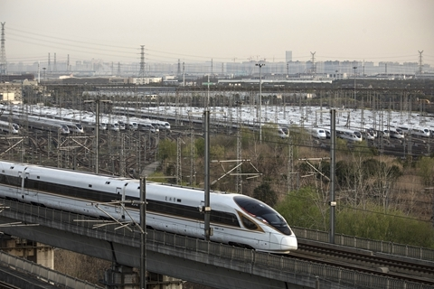 """国铁集团2100亿元""""铁道债""""获批 发债规模持续下滑"""