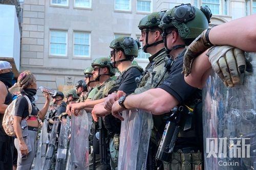 美国多数民意支撑军队介入 难挽川普选情顿挫