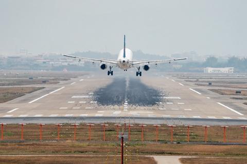 刘绍勇委员:建议制定中国民航业碳减排方案、支持国产民机运营