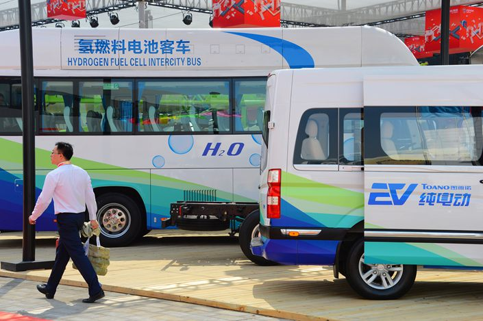 One senior industry official cautioned against too much optimism, noting that the technology is still relatively immature for transporting liquid hydrogen, which must be cooled down to temperatures just 20 degrees centigrade above absolute zero before becoming liquid.