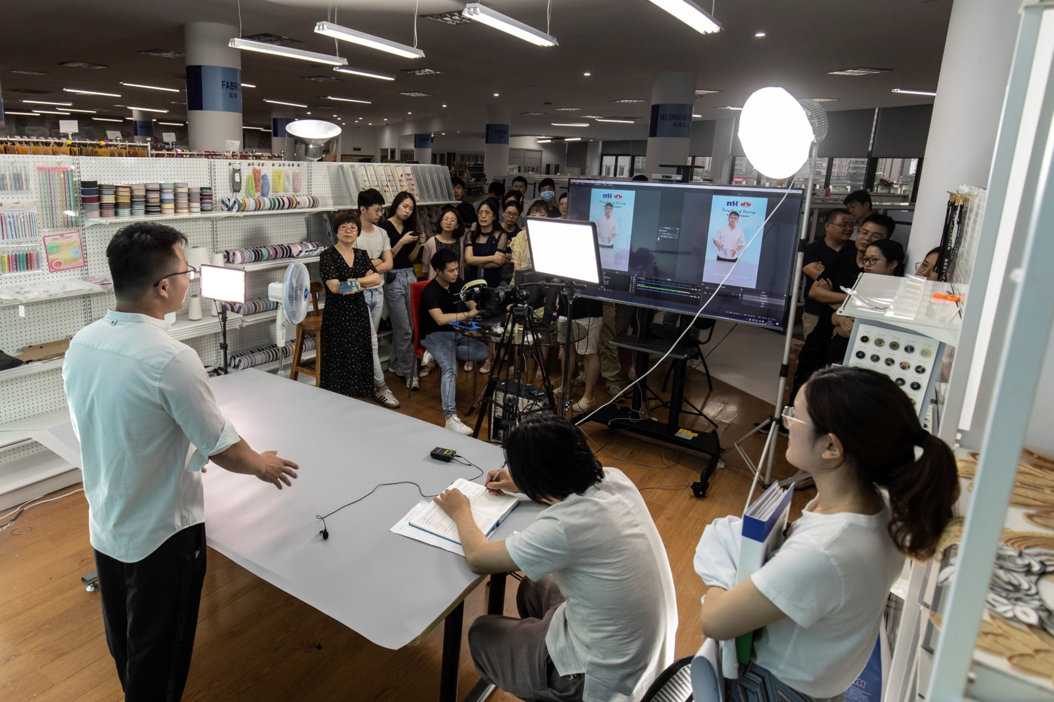 Employees rehearse hosting a livestream session for the upcoming Canton Fair inside a showroom at Ningbo MH Industry Co. in Ningbo. Photo: Bloomerberg