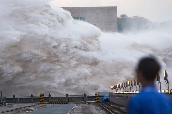 Floodwaters are discharged at the Three Gorges Dam in Central China's Hubei province on July 19. Photo: Xinhua