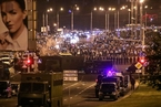 白俄罗斯大选后群众抗争加剧 卢卡申科遭遇汹涌民情