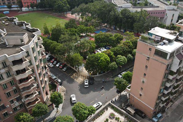 广州番禺学校门口发生凶案 两人死亡嫌犯自杀