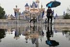 T早报|迪士尼主题乐园部门裁员2.8万人;腾讯私有化搜狗达成最终协议;美光科技Q4净利润暴增76%