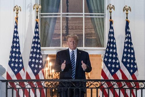 特朗普返抵白宫继续治疗 医师说过了关键期才能松口气