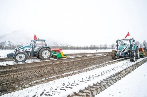 上半年自动驾驶农机销售增长两成 工信部将推广商业化普及-第1张图片