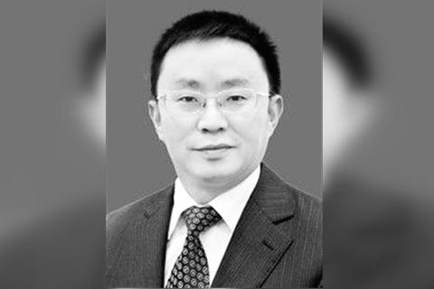 师生送别成都大学党委书记毛洪涛 亲属称相信组织调查