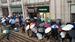 数百人聚集蛋壳总部维权 租客背全年贷款 面临被清退