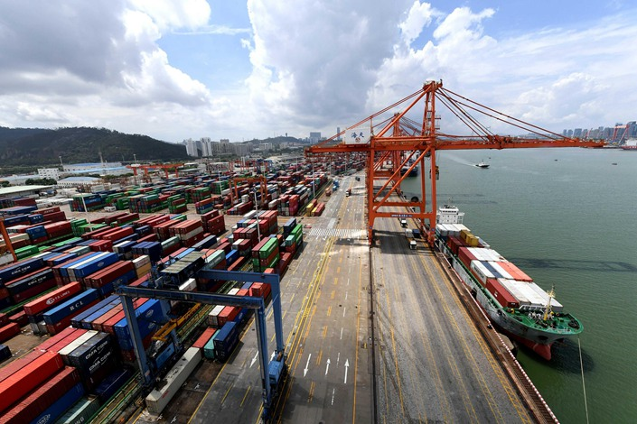 A few days ago, 15 countries, including China, signed the RCEP, marking the start of a free trade zone with the largest population, the widest economic and trade scope.