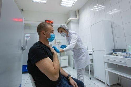 11月27日:东南亚国家积极采购疫苗 美四成新冠死者出自养老院